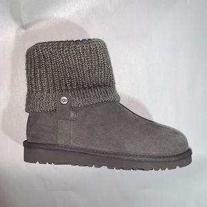 nwob authentic UGG AUSTRALIA size 3 wool/shearling